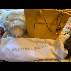 Michael Kors gorgeous yellow leather bag! New!